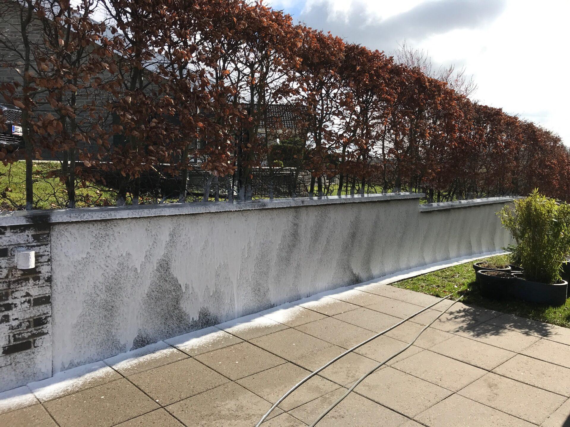 algebehandling af husmur
